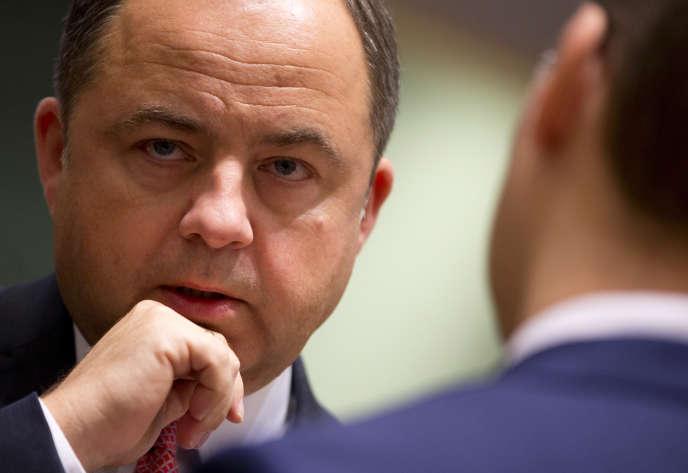 Le ministre polonais des affaires européennes, Konrad Szymansk, lors d'une réunion à Bruxelles, le 18 septembre.