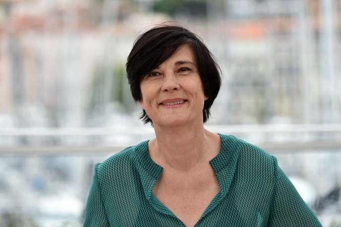 Catherine Corsini, lors du Festival de Cannes 2016. La réalisatrice adapte le roman de Christine Angot « Un amour impossible», restituant le temps long de l'histoire familiale de l'écrivaine. Une adaptation littéraire réussie et un film bouleversant sur le temps.