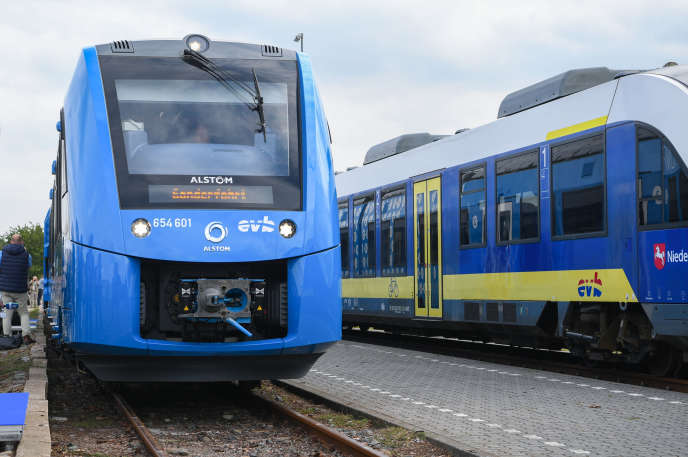 Le premier train à Hydrogène fabriqué par Alstom à son arrivée en gare de Bremerwörde en Allemagne, le 16 septembre.