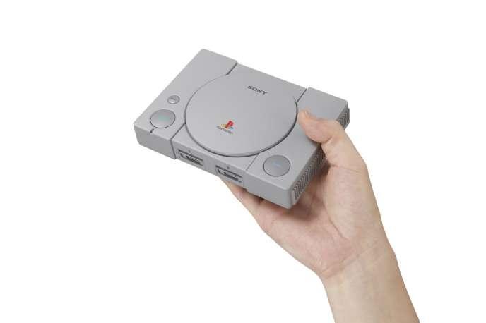 La PlayStation Classic fera 14,9 centimètres sur 10,5.