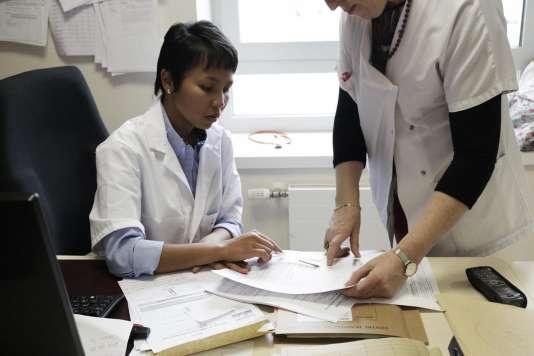 4 000 postes d'assistants médicaux seront financés d'ici à 2022 dans le cadre du plan santé annoncé, mardi 18 septembre, par Emmanuel Macron.