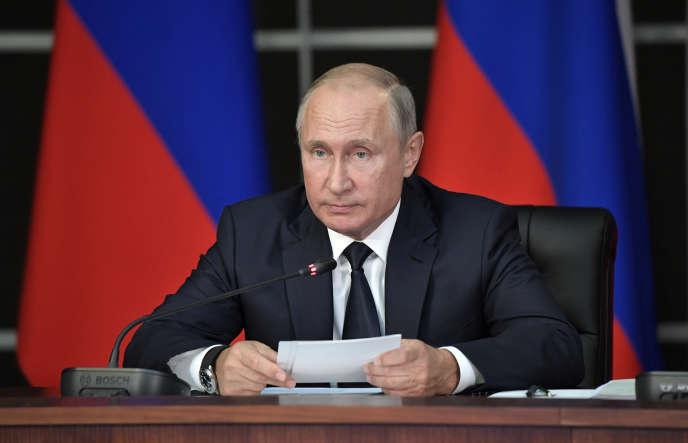 Le président russe Vladimir Poutine, lors d'une commission militaire, près de Moscou, le 19 septembre.