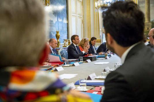 Emmanuel Macron, lors du conseil des ministres, au palais de l'Elysée, le 5 septembre.