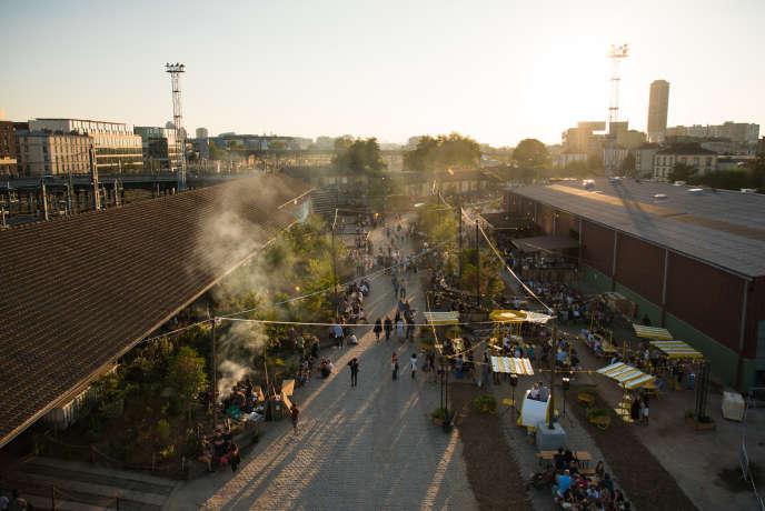 La Cité fertile, est située dans une ancienne gare de marchandises de la SNCF, à Pantin, en Seine-Saint-Denis, le 15 août lors de son ouverture.