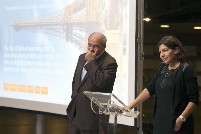 La maire de Paris, Anne Hidalgo, et son adjoint à l'urnanisme, Jean-Louis Missika, lors de l'appel a projets «Réinventer Paris», à Paris, le 3 novembre 2014.