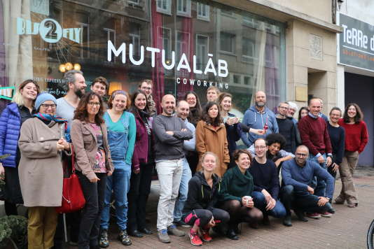Au sein du Mutualab, vaste espace autogéré de 1000 m2 en plein cœur de Lille, se côtoient pas moins d'une cinquantaine de profils différents.