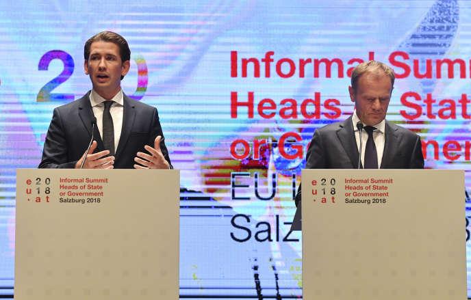 Le chancelier autrichien, Sebastian Kurz, et le président du Conseil européen, Donald Tusk, au sommet informel de Salzbourg (Autriche), le 20 septembre.