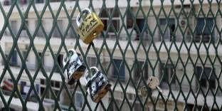 «Les intégristes traquent les signes de l'amour, comme les cadenas posés par des couples en2013 sur le pont de Telemly à Alger».