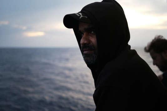 «Mon futur est entre vos mains», confieCh. Amraiz. Après avoir passé huit heures en mer, ce Pakistanaisde de 38 ans a été secouru par l'équipage de l'«Aquarius». Le 20 septembre.