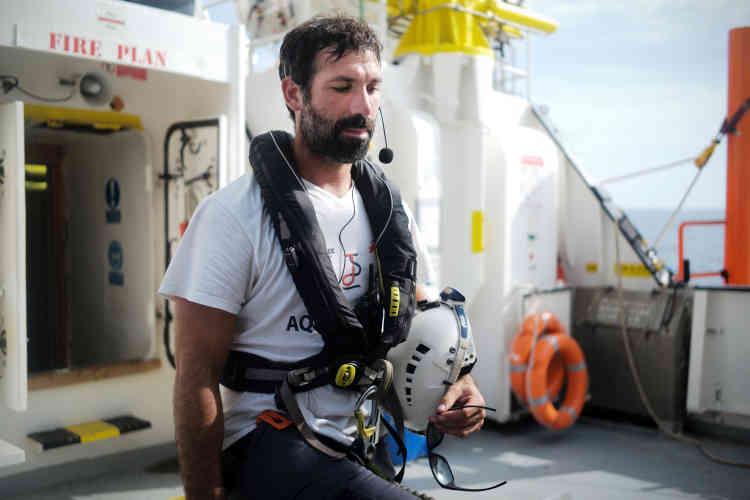 Jérémie Demange est le sauveteur de SOS Mediterranée qui a ciblé la petite barque en détresse le 20 septembre vers 7h «Au début, tu vois une tâche blanche qui bouge sur la vague et, très vite, tu vois que ça ressemble à une embarcation».