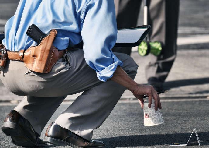 A Los Angeles, un enquêteur du LAPD sur une scène de crime, dans le quartier de VanNuys, le 20 septembre.