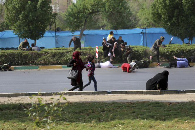 Pendant l'attaque terroriste revendiquée par l'EI, àAhvaz (Iran), le 22 septembre.