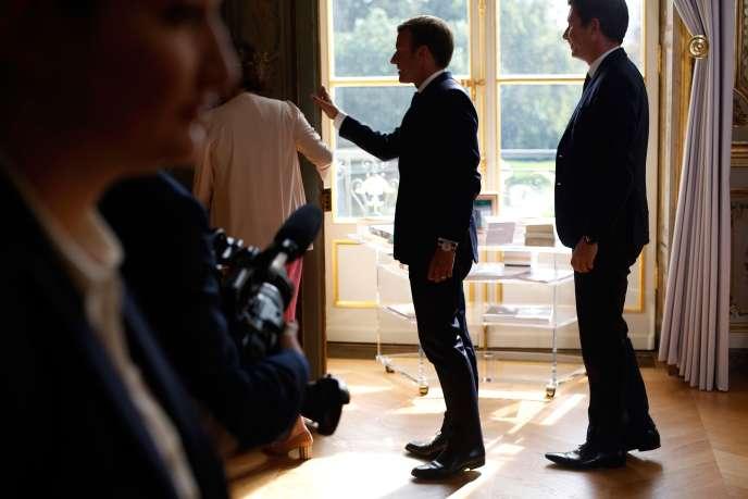 Emmanuel Macron et Benjamin Griveaux, porte-parole du gouvernement, à l'Elysée, le 5 septembre.