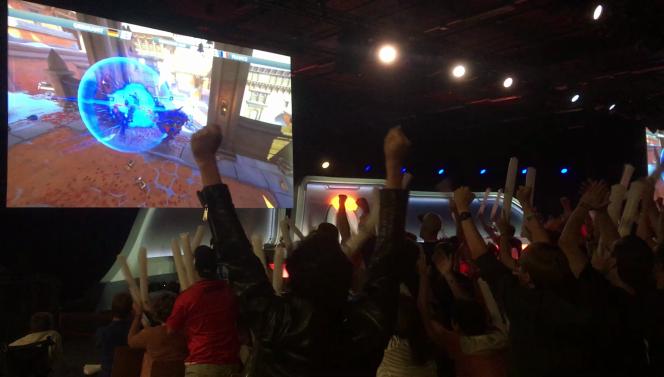 Les supporteurs français exultent après la victoire contre l'Allemagne.