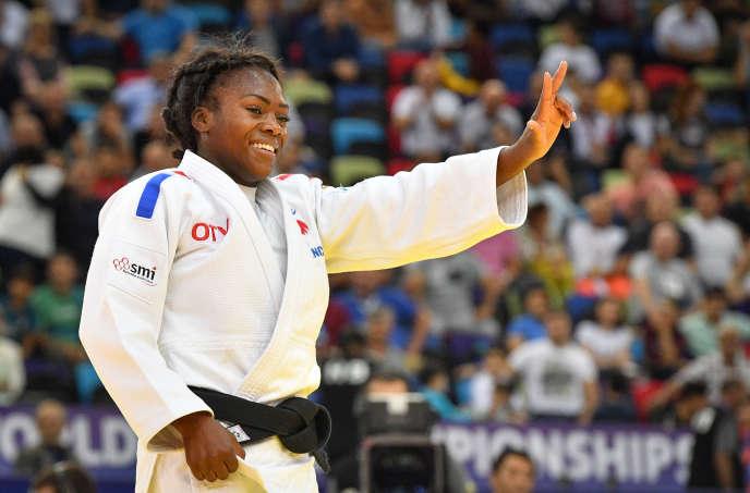Clarisse Agbegnenou célèbre son troisième titre mondial chez les moins de 63kg, à Bakou, le 23 septembre.