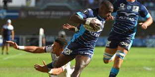 L'ailier de Montpellier Gabriel Ngambede file marquer un essai face à Toulouse, le23septembre.