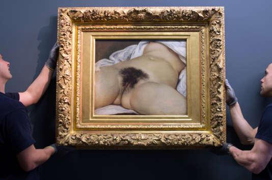 «L'Origine du monde», de Gustave Courbet, lors d'une exposition organisée à Ornans, en 2014.