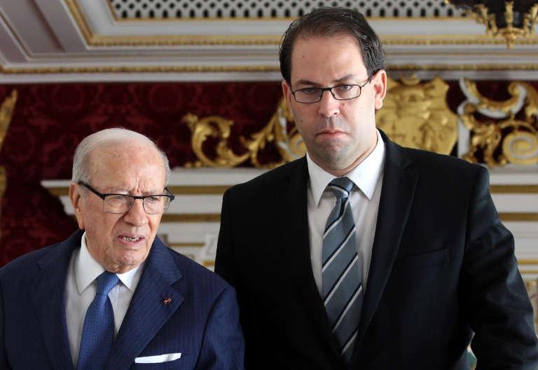Le présidentBéji Caïd Essebsi et le chef de gouvernement,Youssef Chahed,avant le premier conseil des ministres de ce dernier, en août 2016.