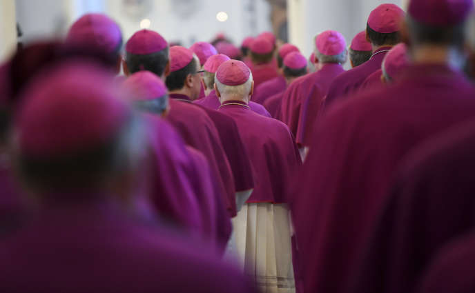 Des évêques à la conférence épiscopale de Fulda, en Allemagne, où ils doivent évoquer les questions de pédophilie, le 25 septembre.