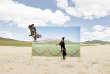 Dans sa série « Futuristic Archaeology », le Coréen Daesung Lee présente des mises en scène en grand format, prises dans les paysages de Mongolie pour attirer l'attention sur la disparition de la culture traditionnelle. Les photos d'élevages de vaches, de courses de chevaux, de chasse avec des aigles pratiquées par les populations nomades, menacées par la désertification, deviennent ici des tableaux bientôt accrochés dans des musées.