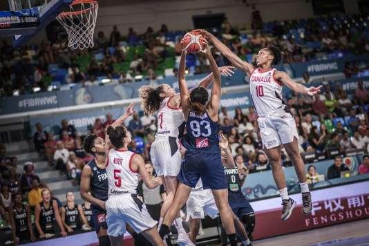 Lors de la rencontre entre le Canada et la France dans le cadre des Mondiaux de basket-ball à Tenerife en Espagne, le 25 septembre.