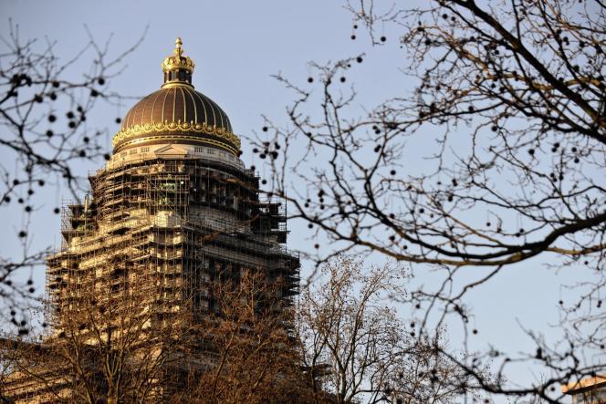 Le Palais de justice a été bâti au XIXe siècle sous le règne de Léopold II et confié à l'architecte Joseph Poelaert.