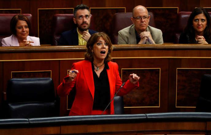 « Ni ce gouvernement socialiste ni (moi) n'accepterons le chantage de qui que ce soit », a lancé Dolores Delgado devant les députés.