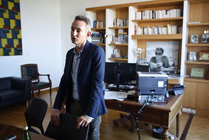 Ian Brossat,dans son bureau à l'Hôtel de Ville de Paris,le 11 septembre.