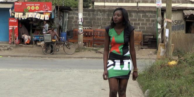 Une hôtesse de la marque Heineken au Kenya.