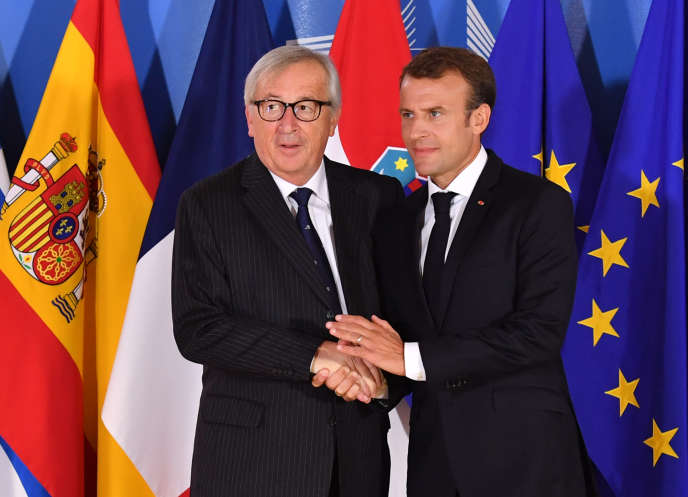 Le président de la Commission européenne, Jean-Claude Juncker, et le président français, Emmanuel Macron, à Bruxelles, le 24 juin.
