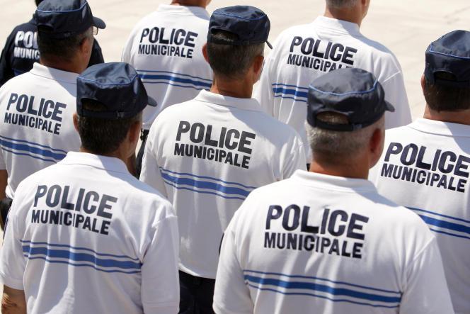 A Nice, Cannes, Aix-en-Provence, Lyon, Saint-Etienne ou Corbeil-Essonnes, par exemple, les policiers municipaux assurent «l'interpellation et la répression de la délinquance».