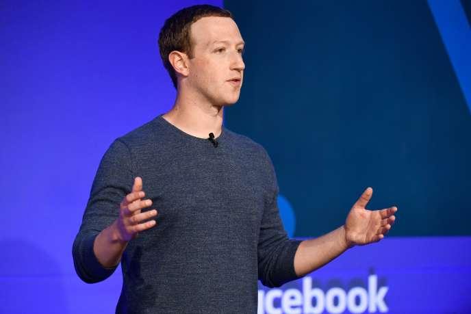 Le patron de Facebook, Mark Zuckerberg, lors d'une conférence de presse à Paris, le 23 mai.