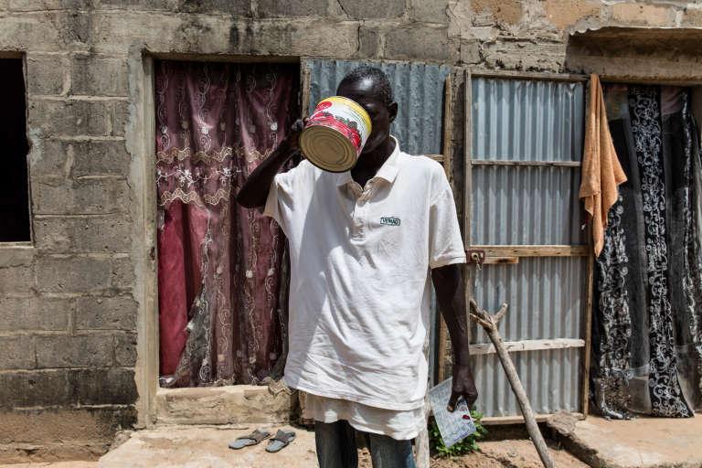 Atteint de tuberculose, Elimane Ciss ne venait plus au centre de santé. Retrouvé dans son village du département de Tivaouane, au Sénégal, il reprend son traitement, le 24septembre 2018.