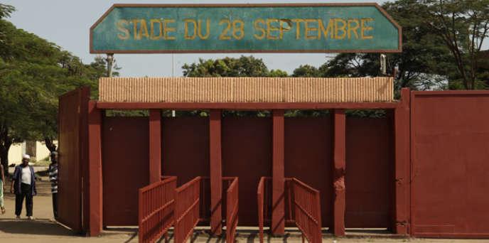 Une des entrées du Stade du 28-Septembre, à Conakry, en Guinée.
