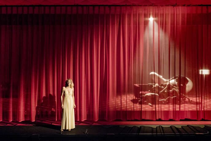 Marie-Sophie Ferdane lors de la répétition générale de «La Dame aux camélias», au Théâtre national de Bretagne (TNB), à Rennes, le 25 septembre 2018.