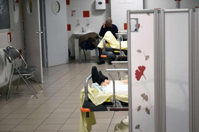 Les urgences de l'hôpital Trousseau, à Tours, le 12 janvier 2017.