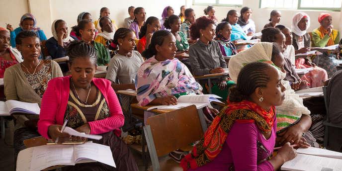 De futures agentes de santé communautaires en formation à Addis-Abeba, capitale de l'Ethiopie, en 2016.