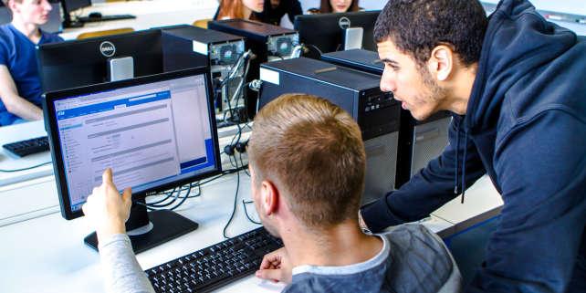 Elèves de l'école d'ingénieurs IMT Lille Douai. Celle-ci est partenaire pédagogique des deux accélérateurs de start-up «Rev3», dont l'un est accueilli au sein de l'école.