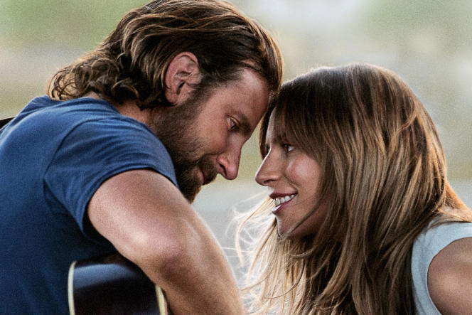 Bradley Cooper interprète Jackson Maine et Lady Gaga est Ally, dans« A Star Is Born», deBradley Cooper.