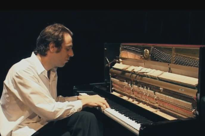 Le pianiste Chilly Gonzales dans le documentaire allemand de Philipp Jedicke, « Shut Up and Play the Piano ».