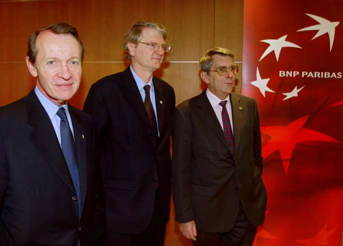 De gauche à droite : Michel Pébereau, ancien PDG de BNP Paribas,Baudouin Prot et Dominique Hoenn,directeurs généraux délégués de la banque, à Paris,le 5 février 2003.