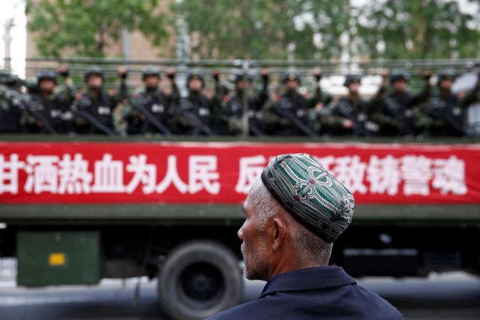 Un homme ouïgour à Urumqi, Xinjiang le 23 mars 2014.