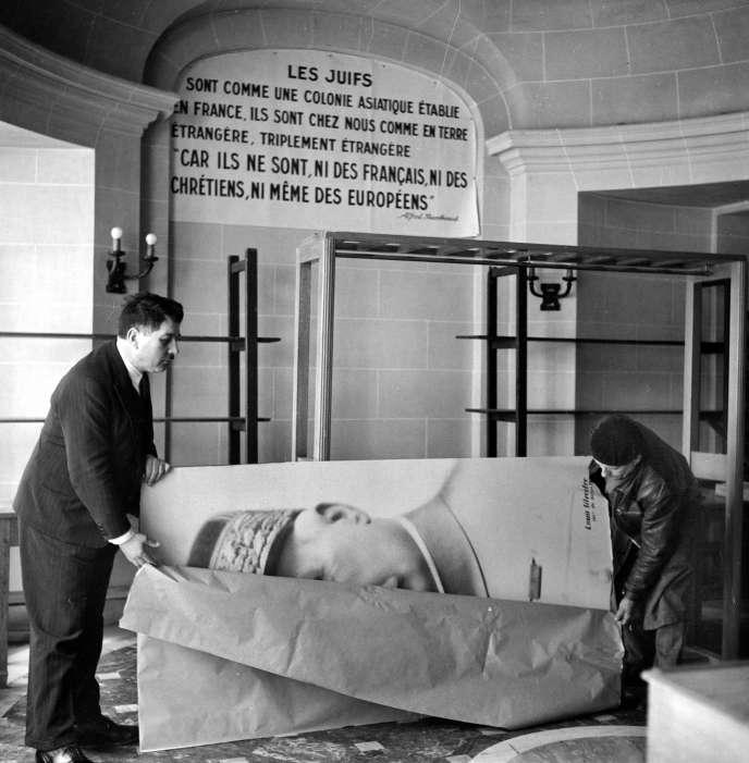 Ouverture de l'Institut d'études des questions juives, à Paris, mai 1941.