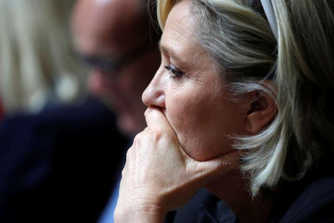 La présidente du Rassemblement national, Marine Le Pen, le 2 octobre à l'Assemblée nationale.
