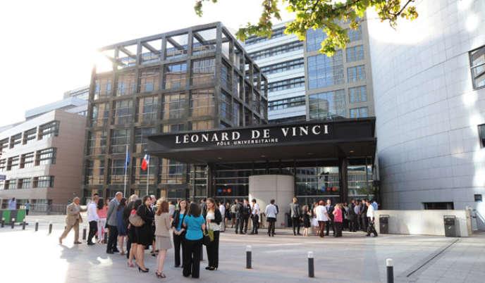 l'ESILV, l'école d'ingénieurs du pôle Léonard-de-Vinci à La Défense.