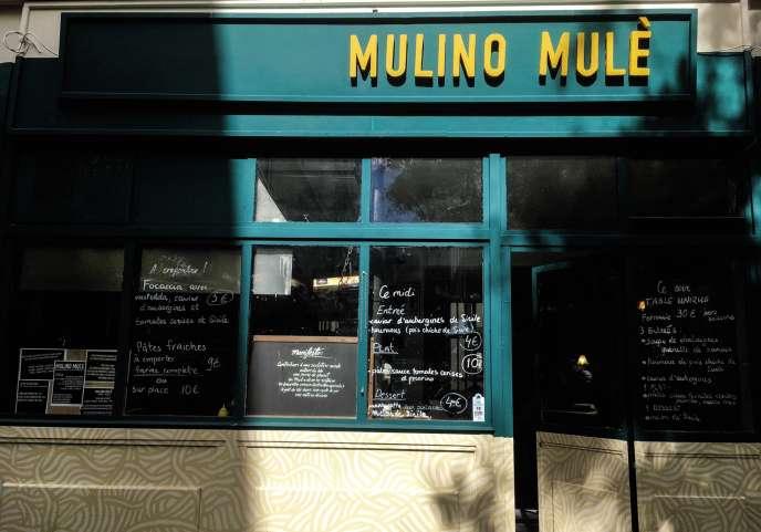 Mulino Mulè, un moulin à farines anciennes aux airs de cantine, dans le quartier de Belleville.