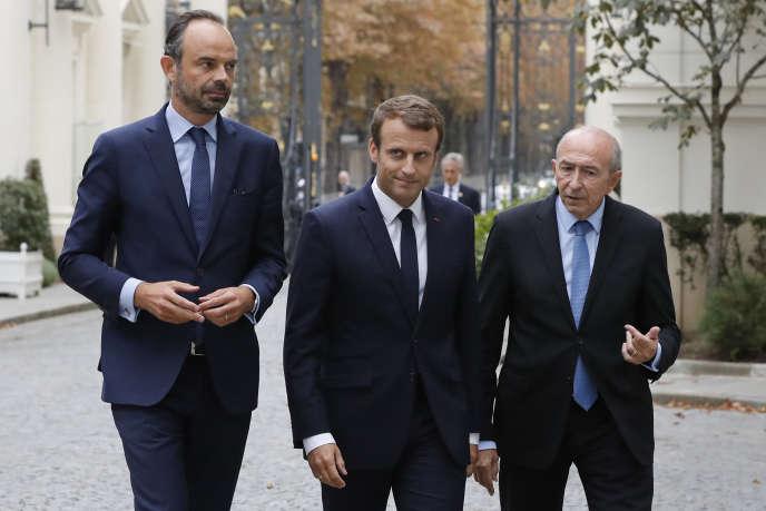 Edouard Philippe, Emmanuel Macron et Gérard Collomb, le 6 septembre 2017. Après le départ du ministre de l'intérieur, l'Elysée prépare le remaniement.