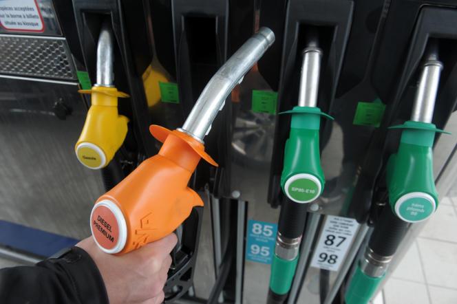 A partir du 12 octobre, des sigles remplaceront les appellations actuelles des carburants dans les stations-service.