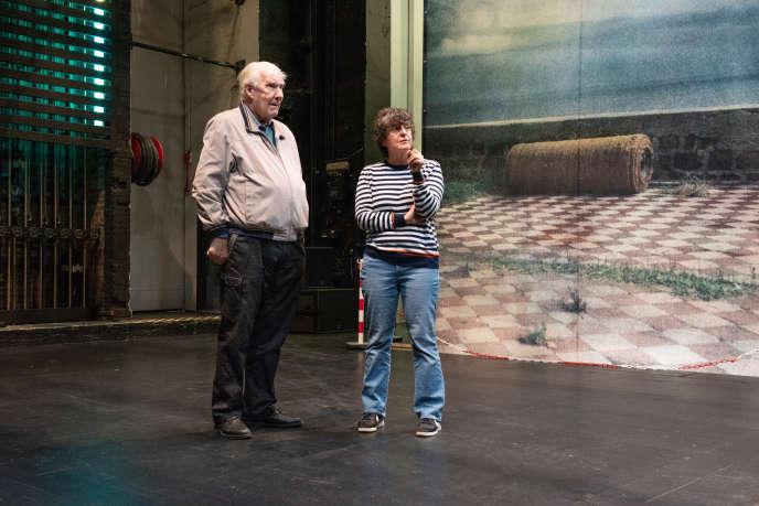 Alain Badiou, philosophe, et Marie-José Malis, directrice du lieu, au Théâtre de la Commune, à Aubervilliers, le 2 octobre 2018.
