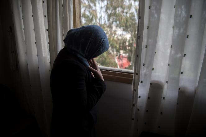 Fatima, 17ans, ici en mars 2018 à Rabat, est uneancienne « petite bonne». Le travail des mineures comme domestiquesest encore courant au Maroc.